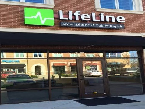 Outside a Lifeline Repairs franchise