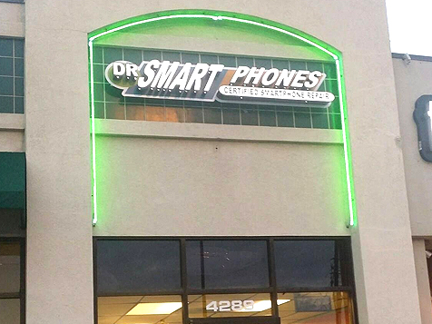 Outside a Dr Smart Phones Franchise Location