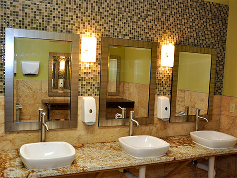 Bathrooms at Fitness Evolution Health Club Franchise