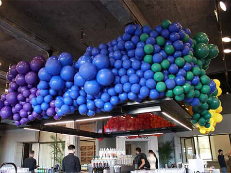 Balloon Kings Franchise Customer Display